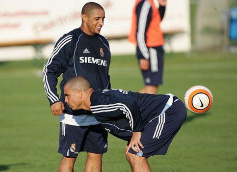 http://zemra.org/wp-content/uploads/2010/10/funny-football.jpg