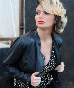 Këngëtarja kosovare Zanfina Ismaili, e cila gjithmonë duket seksi