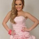 Adelina Berisha reagon per fotot