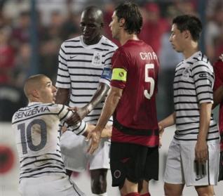 Kombëtarja shqiptare është ndarë në dysh. Shiriti i kapitenit