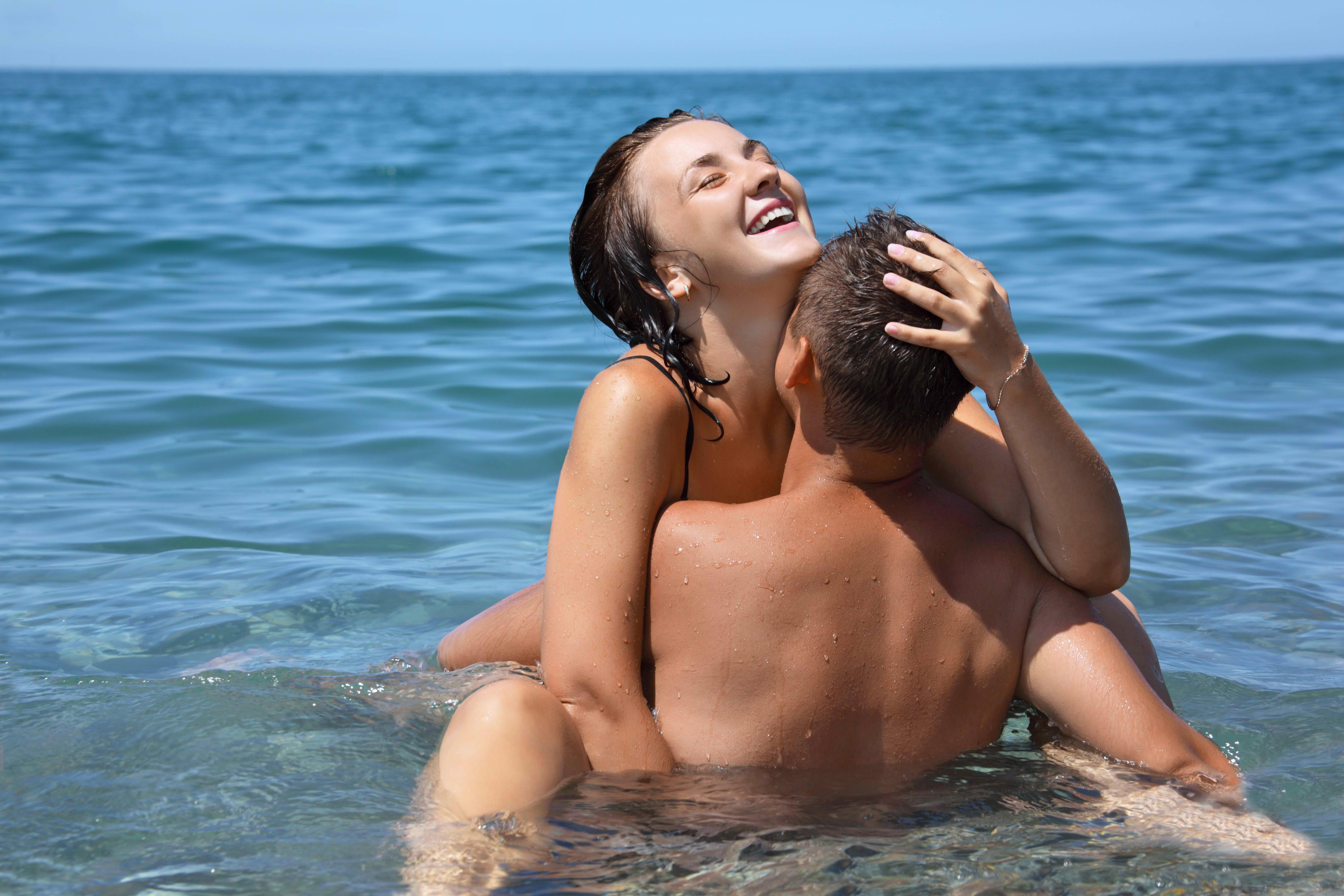 Секс позы на воде картинки 8 фотография