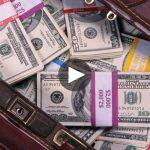 Taksisti gjen çantën me 187 mijë $, do të çuditeni se të kujt ishin paratë