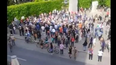 Photo of Protesta në Vjenë – qytetarët thonë se koronavirusi është gënjeshtër