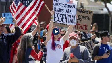 """Photo of """"Jeto i lirë ose vdis"""", në SHBA shpërthejnë protestat kundër izolimit!"""